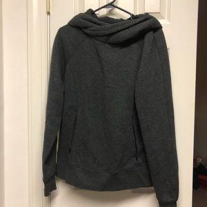 Lululemon Size 10 sweatshirt